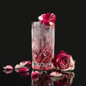 ROSES MOORGIN & TONIC